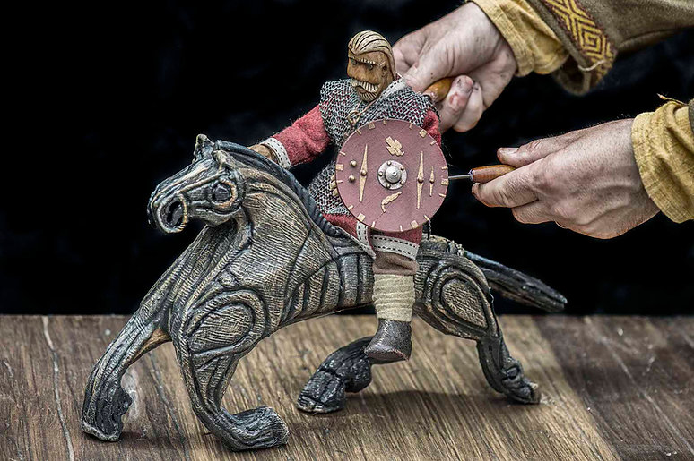 Beowulf puppet riding horse - Rattlebox Theatre