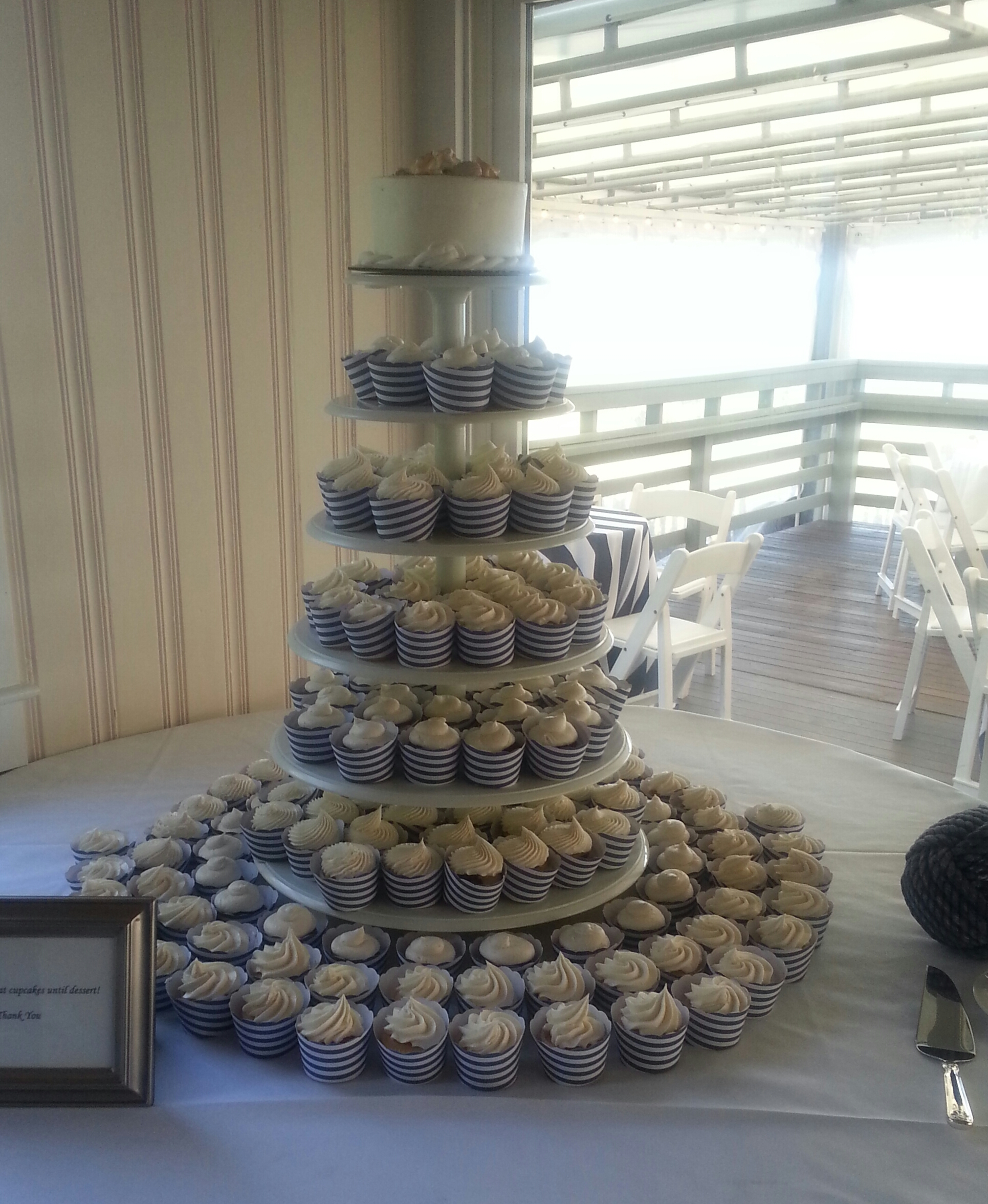 Cup Cake Stand with Cake Topper