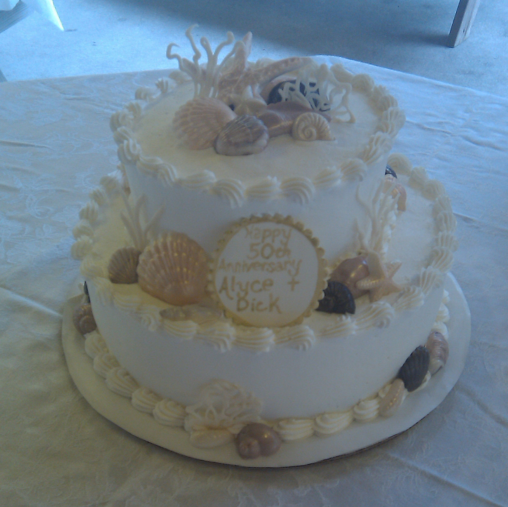 Small Sea Shell Wedding Cake