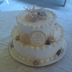 Small Sea Shell Wedding Cake
