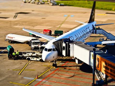 avion en aeropuerto.jpg