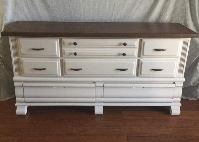 Stylish Clean Dresser