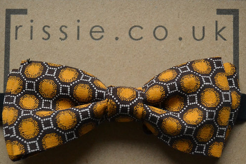 Yellow pre-tied bow tie