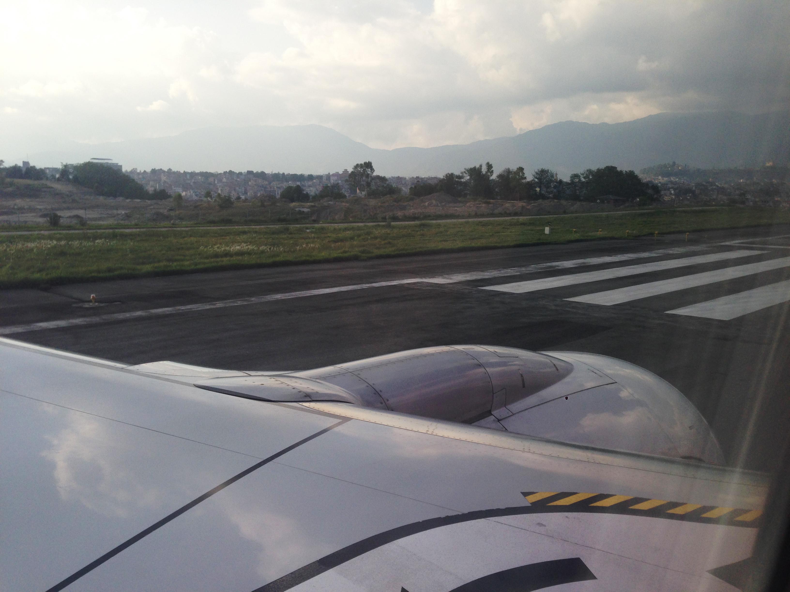 22-cao nguyên Nepal nhìn từ đường băng