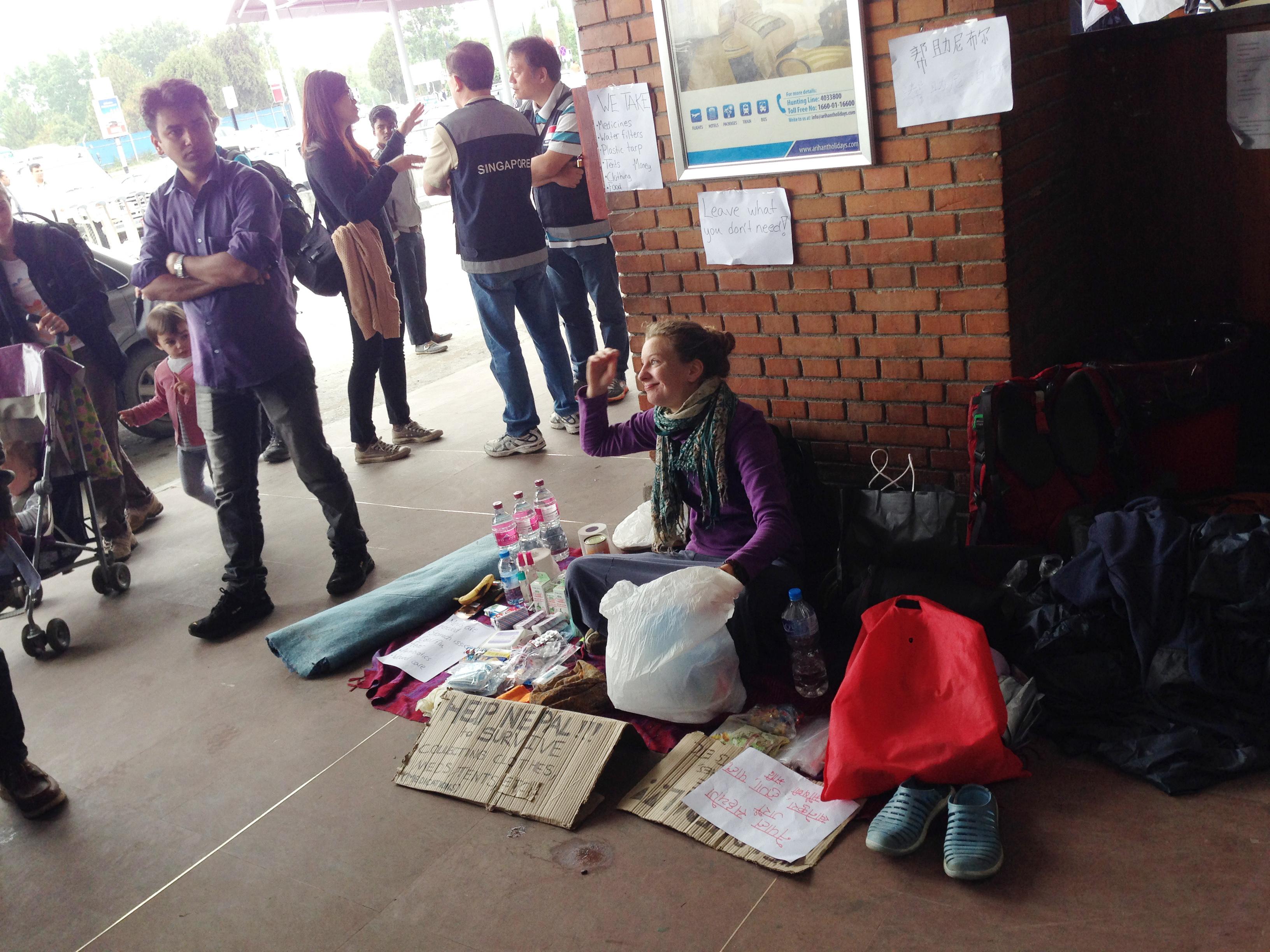 20-những người tình nguyện ở lại huy động giúp Nepal