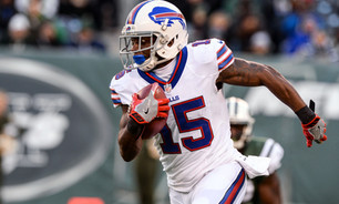 WATCH: Brandon Tate makes crazy one-handed catch at Bills training camp