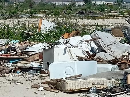 PSOE pide la puesta en marcha de limpieza y mantenimiento de solares aprobada en pleno