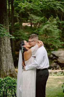 Emma and Zach 1st Kiss.jpg