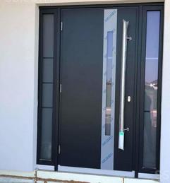 materials-doors-door-knots-locks-handles