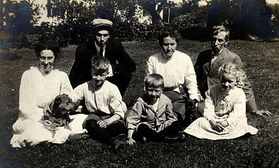 19. vintage family.JPG
