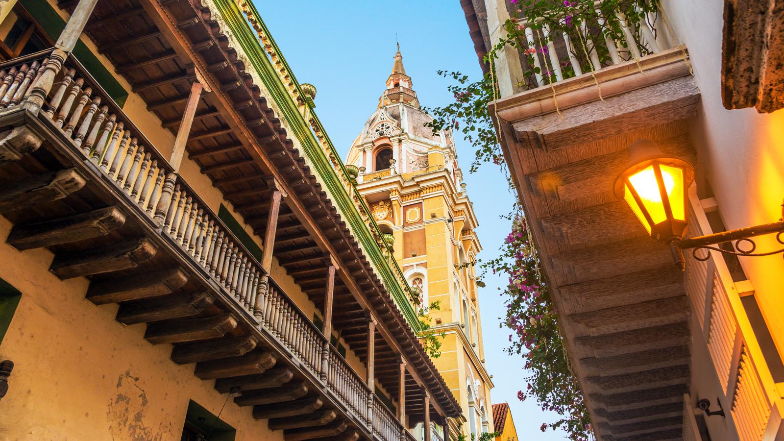 cartagena-church-city-large-street