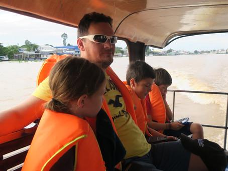 Bye Bye VIETNAM, Bonjour « CAMBODIA », notre passage de frontière par voie fluviale