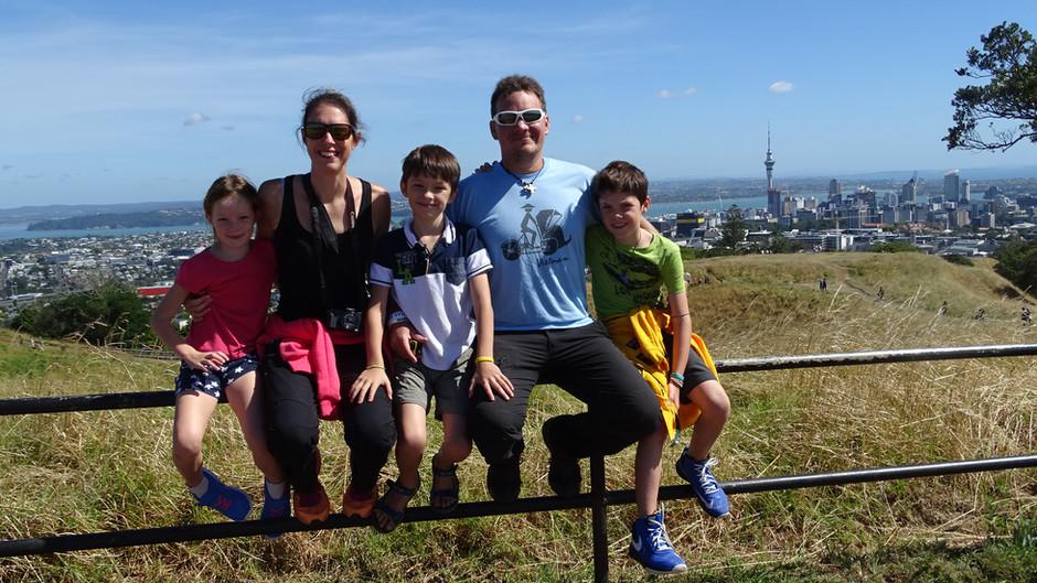 Découverte de la Nouvelle Zélande en famille et l'excitation se fait dès la montée dans l'avion !