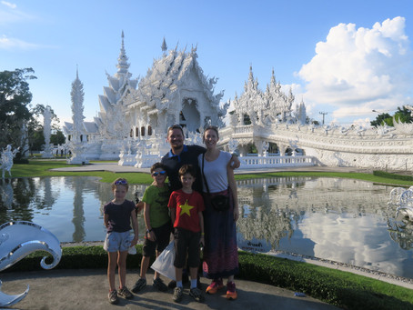 Chiang Rai au Nord de la Thaïlande avec des enfants : montagnes, cascades, sources chaudes, temples…
