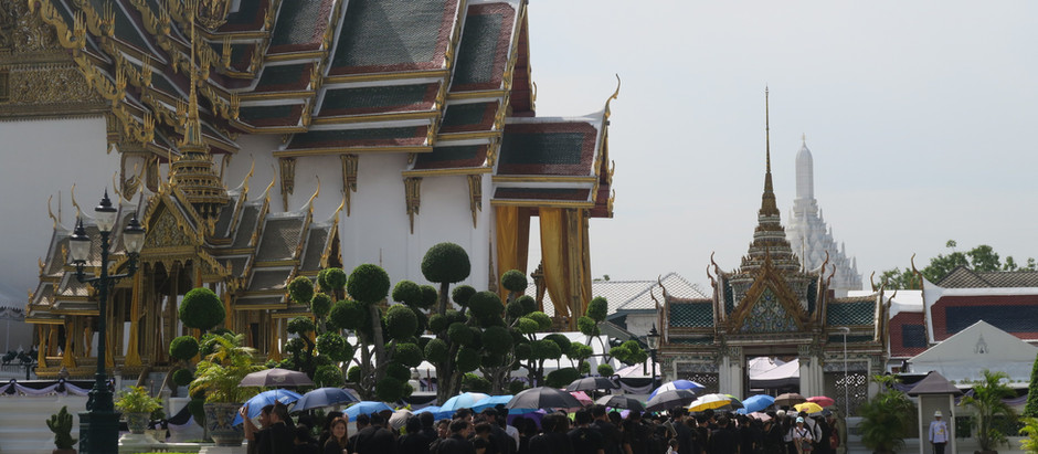 Deuil national en Thaïlande et la ferveur des Thaïlandais pour leur roi