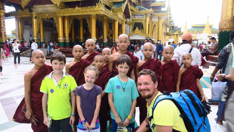 Yangon, en famille.