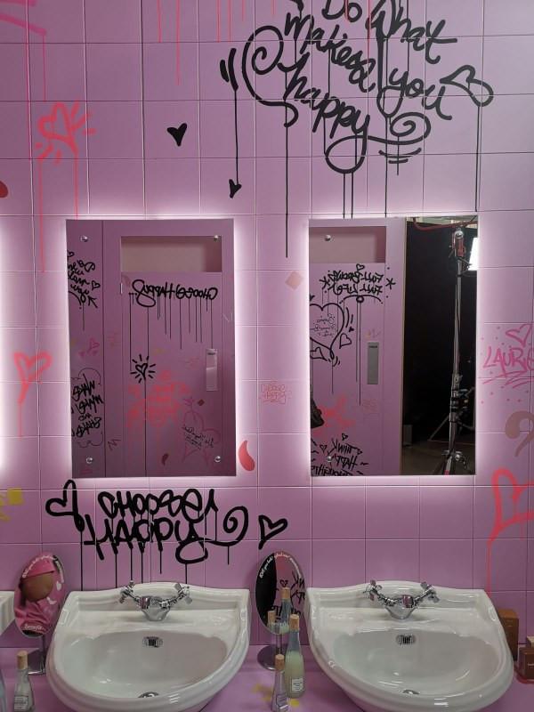 Happy House Bathroom pic