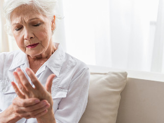 10 Ways Home Caregivers Can Help Seniors Manage Arthritis Symptoms
