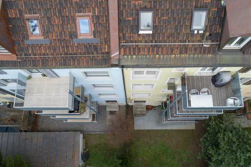 Balkonanbauten in Zusammenarbeit mit Koller Metallbau erstellt. Luftaufnahme.