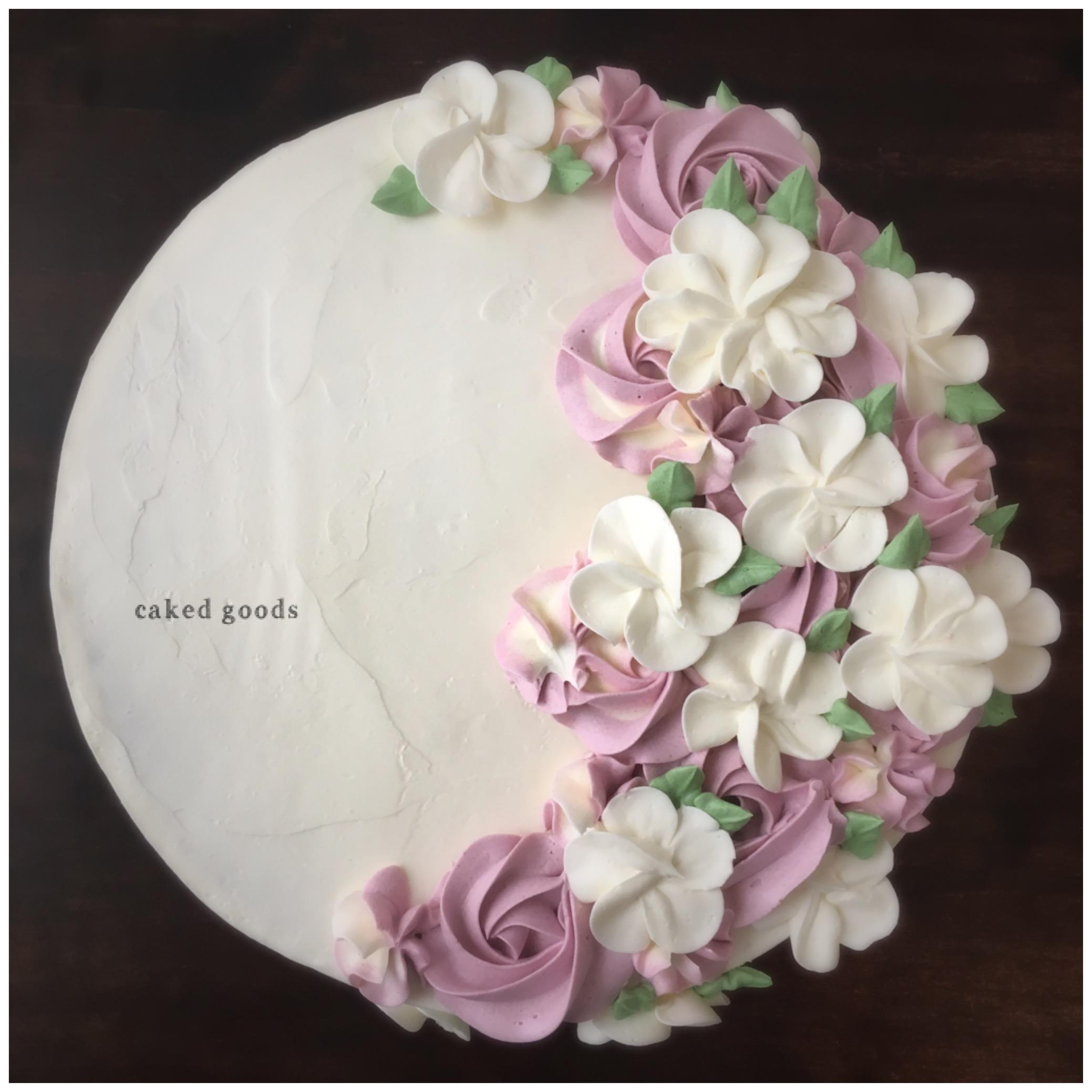 White Pink Flower cake