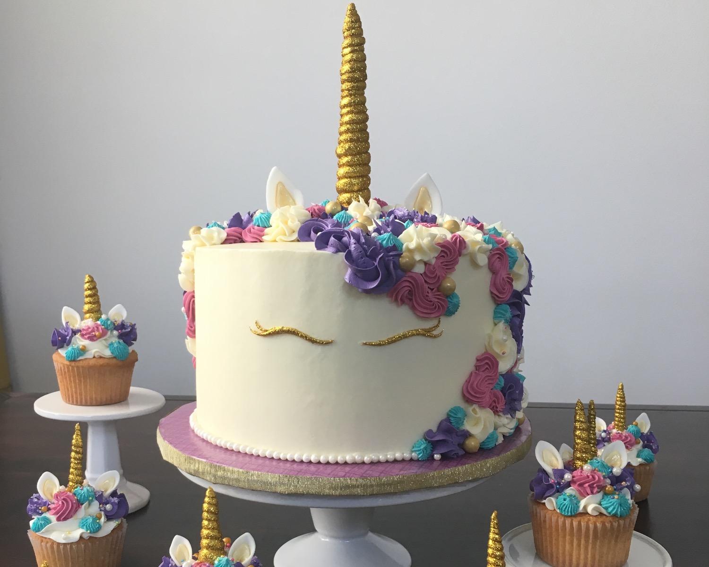 Unicorn Cake & Cupcakes