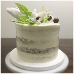 Semi nake flower cake