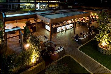 Outdoor bar retractable roof