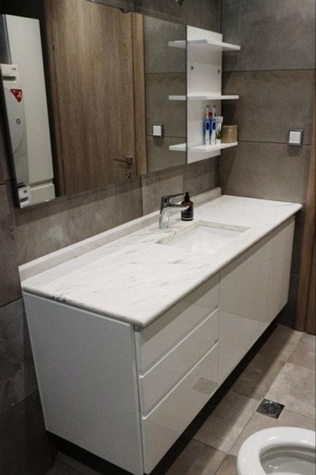 Έπιπλο μπάνιου λακαριστό