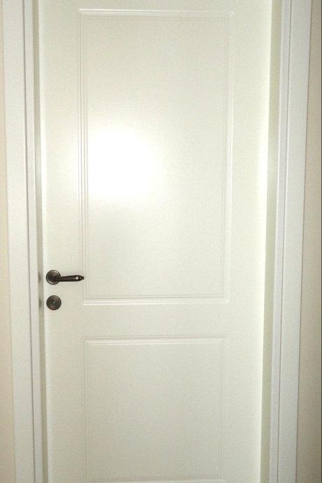 Πόρτα Λακαριστή με Σχέδιο