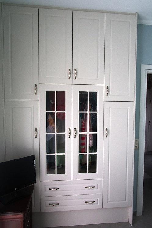 Ντουλάπα ανοιγόμενη με παράθυρα