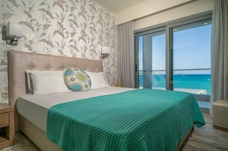 Denise Beach Hotel (6).jpg