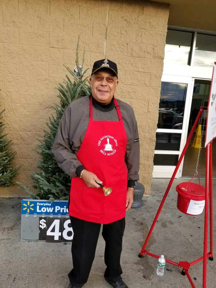 2017 Salvation Army Bell Ringing 1
