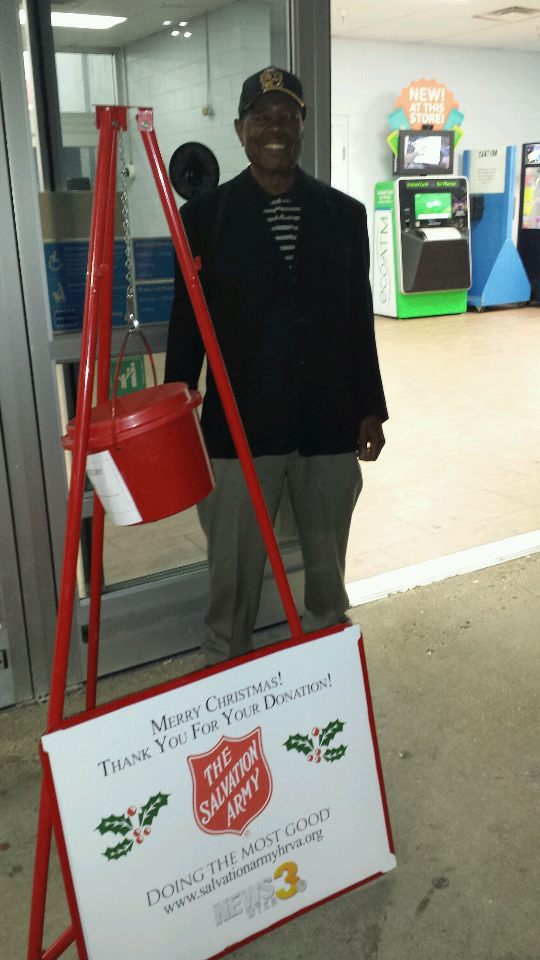 2017 Salvation Army Bell Ringing 9