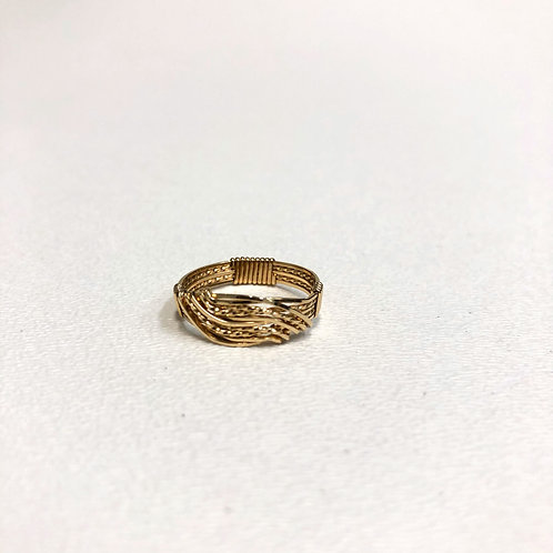 Narrow Wave Ring - Gold