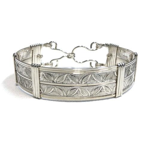 Double Leaf Pattern Bracelet