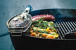8 slimme trucjes om de barbecue stralend schoon te krijgen