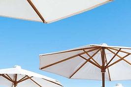 Hoe verwijder je zonnebrandvlekken uit kleding?