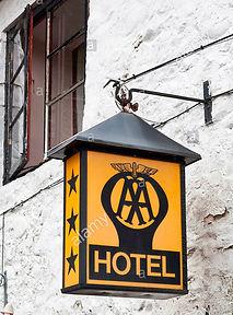 300_Hotel.jpg