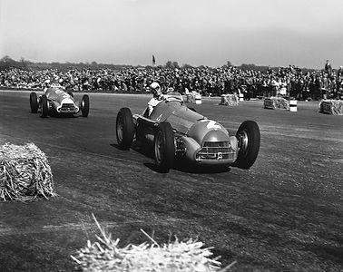 1950 - 1 - GB - Farina leads Fagiioli.jp