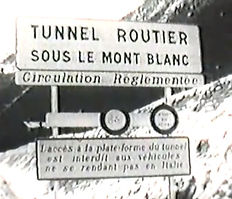 tunnel routier sur le mont blanc.JPG