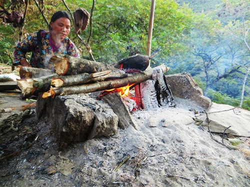 BBQ Corn on the cob-on the road to Punak
