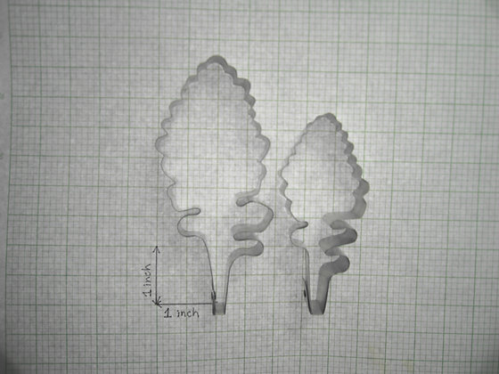 PENNEY PANG Designer Cakes:  Dusty miller leaf cutters (flat, set of 2)