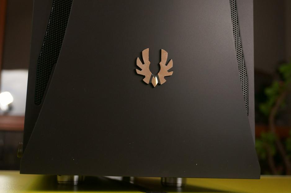 BitFenix Aurora - tania obudowa z hartowanym szkłem