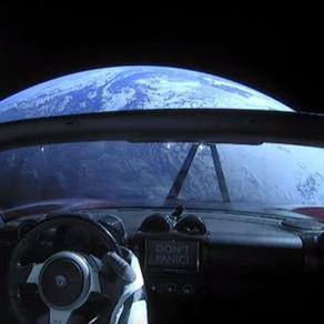 Lancé en février dans l'espace, le cabriolet Tesla d'Elon Musk a dépassé Mars