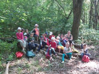 3 июня 1 класс в первый раз ходил в поход.