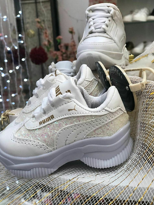 Tênis branco brilho