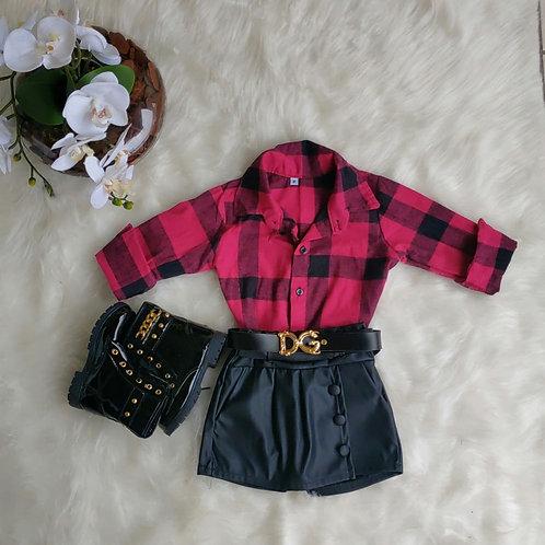 Shorts saia + camisa