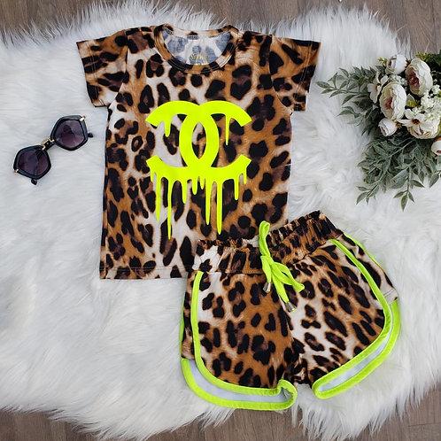Conjunto animal print neon