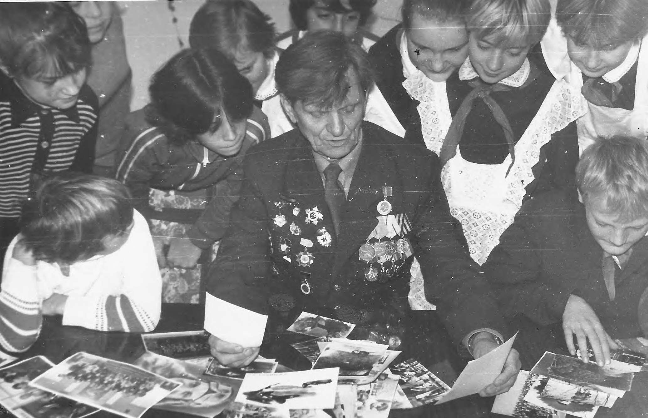 Втреча кружковцев с ветераном ВОВ Дорофе