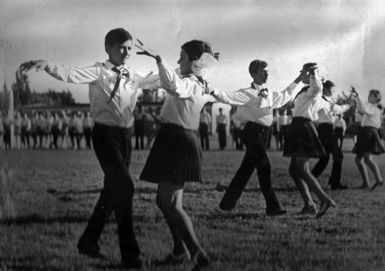 Участники бального танца